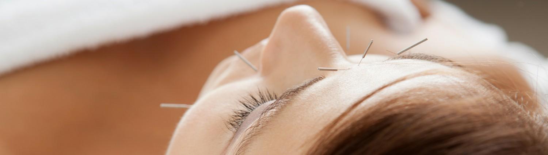 Japansk Ansigts Akupunktur by Christina Clemen